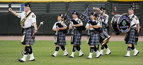 The Keystone Club Police Pipes & Drums play.