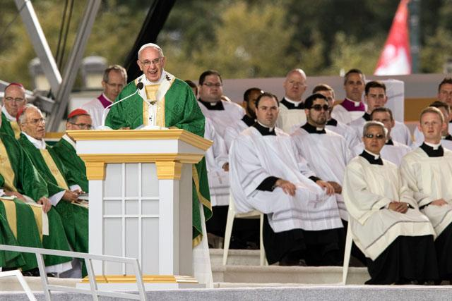 Pope Francis delivers homily during closing Mass of World Meeting of Families in Philadelphia