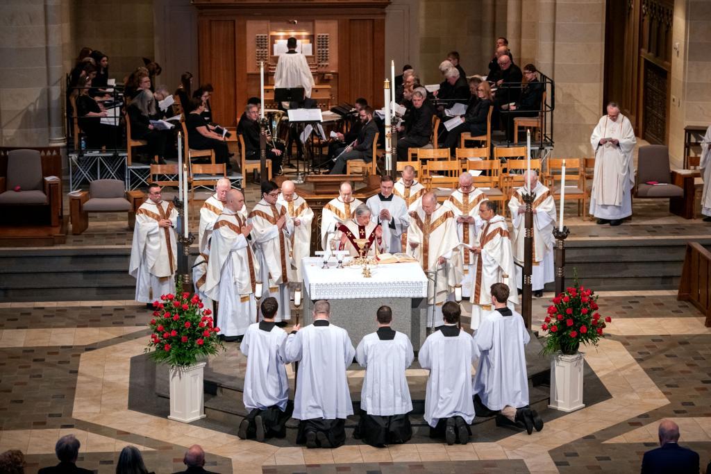 Bishop Matano prays the Eucharistic prayer.