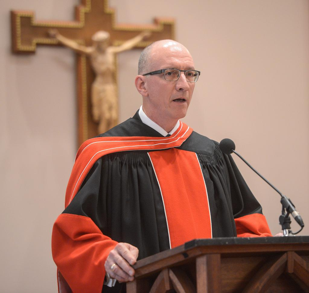 Dr. Stephen J. Loughlin's installation Mass at St. Jerome Church in East Rochester (Courier photo by John Haeger)