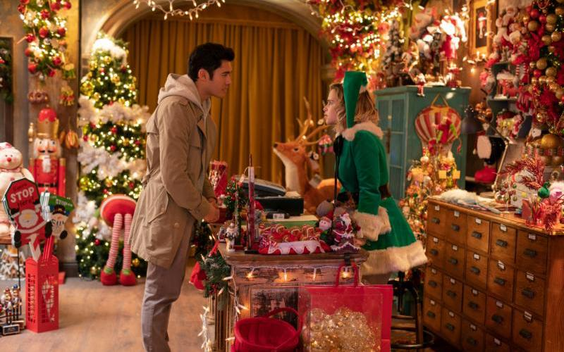 """Henry Golding and Emilia Clarke star in a scene from the movie """"Last Christmas."""""""