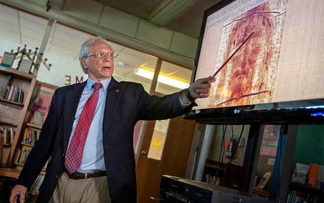 Frank Netti gave an hour-long presentation on the Shroud of Turin April 22 at the St. Francis and St. Clare Parish Ministry Center in Waterloo. (Courier photo by Jeff Witherow)