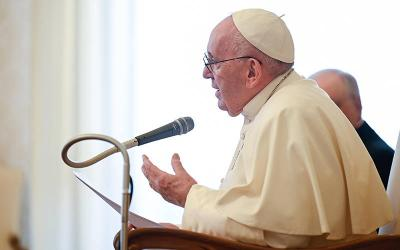 <p>Pope Francis leads his general audience in the library of the Apostolic Palace at the Vatican April 7, 2021. The pope said Christians are never alone in prayer but instead are accompanied by countless saints who have preceded them. </p>