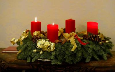 """An Advent wreath is pictured in the Apostolic Palace at the Vatican. Psalm 72 proclaims that """"justice shall flourish in his time, and fullness of peace forever."""""""