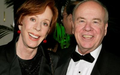 Actor Tim Conway poses with actress Carol Burnett Nov. 6, 2002, at the Academy of Television Arts & Sciences' 15th annual Hall of Fame ceremony in Beverly Hills, Calif. (CNS photo by Fred Prouser/Reuters)