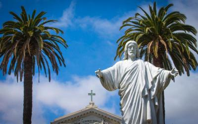 A statue of Jesus greets visitors at St. Patrick's Seminary and University in Menlo Park, Calif., May 9, 2019. (CNS photo by Chaz Muth)