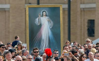<p>A image of Jesus of Divine Mercy is seen as Pope Francis celebrates Mass on the feast of Divine Mercy in St. Peter's Square at the Vatican April 3, 2016.  </p>