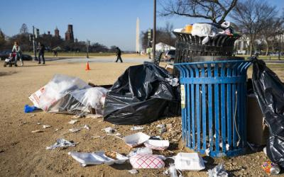 <p>Trash is seen on the National Mall in Washington Dec. 26 during the fifth day of a partial federal shutdown. (CNS photo by Jim Lo Scalzo/EPA)  </p>